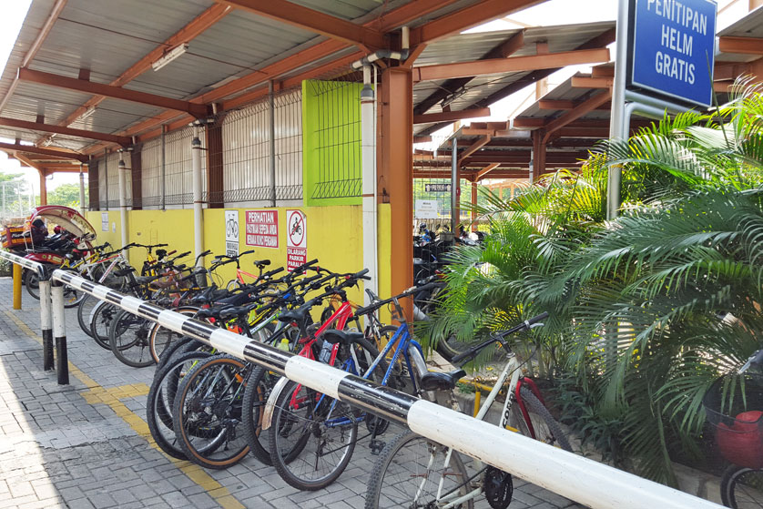 http://images.malkelapagading.com/album/3222//bike-parking-3.jpg