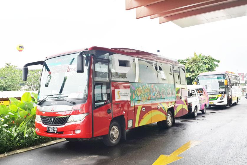 http://images.malkelapagading.com/album/3230//shuttle-bus-1.jpg