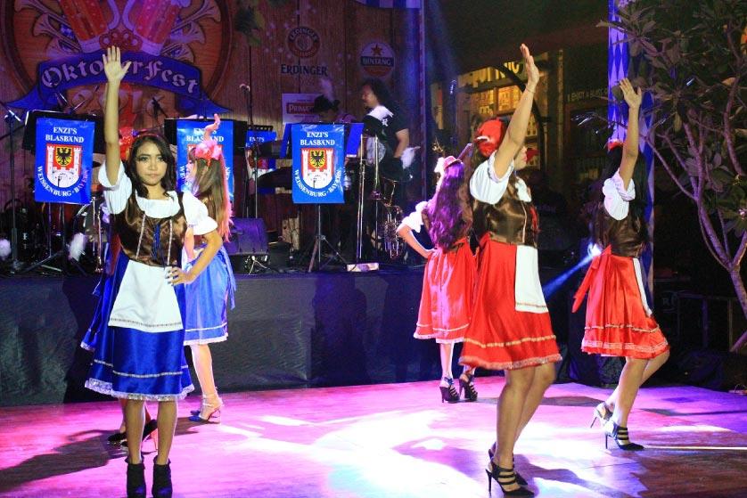 http://images.malkelapagading.com/album/3438//oktfest-samasta-2.jpg