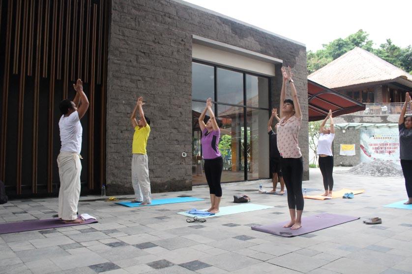 http://images.malkelapagading.com/album/3445//yoga-samasta-2.jpg