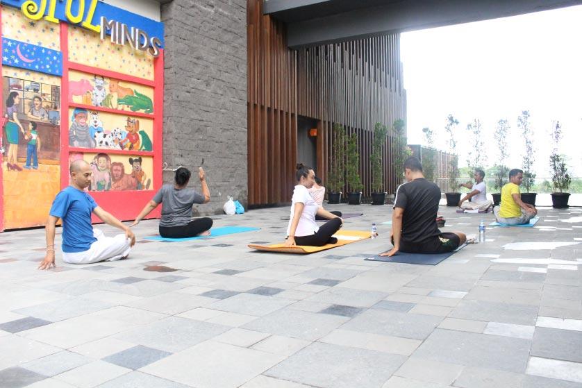 http://images.malkelapagading.com/album/3445//yoga-samasta-5.jpg