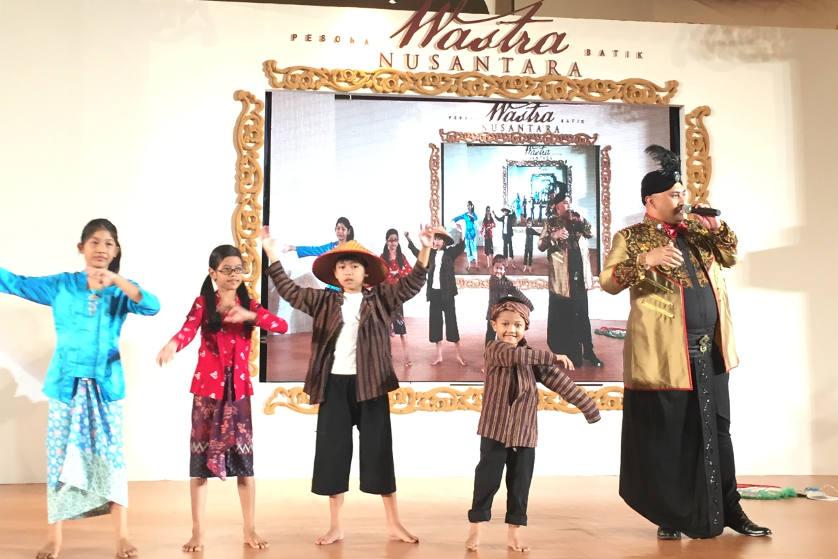 Melestarikan Budaya Asli Indonesia Melalui `Pesona Batik Wastra Nusantara`