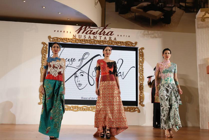 http://images.malkelapagading.com/album/4567/wastra-batik-nusantara-17.jpg