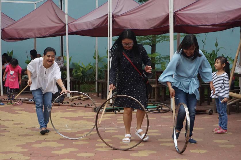 http://images.malkelapagading.com/album/4573/dolanan-pesona-batik-nusantara-01.jpg