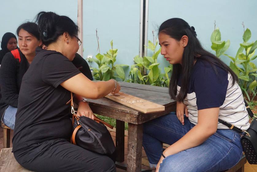 http://images.malkelapagading.com/album/4573/dolanan-pesona-batik-nusantara-06.jpg