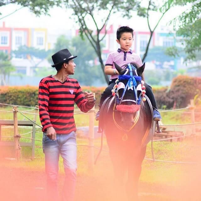 http://images.malkelapagading.com/album/6813//new_Horse_Riding-min.jpg