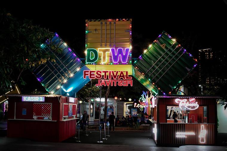 Selebrasi Kekinian Downtown Walk Festival di Summarecon Mall Bekasi