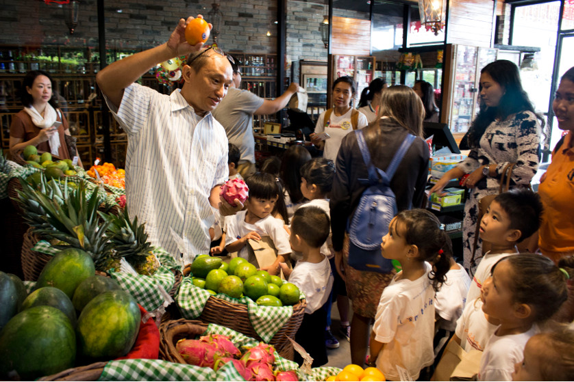 A Fun Field Trip to Sereh Supermarket