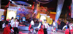 Bertukar Kebudayaan dalam Semarak Perayaan