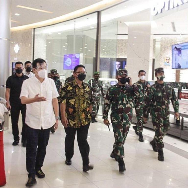 Panglima Kodam Jaya Meninjau Penerapan Protokol Kesehatan di Summarecon Mall Bekasi