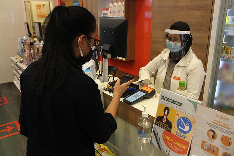 Transaksi Cashless Bantu Lindungi Kesehatan Tubuh