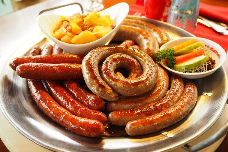 Santapan Lezat Kuliner Jerman ala Mama`s German