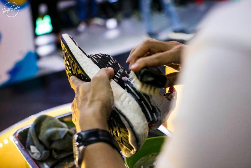Solusi Bagi Pecinta Sepatu