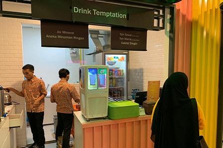 Thumb tenant Drink Temptation