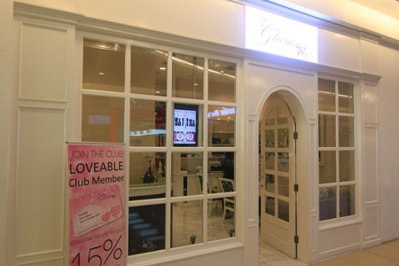 Thumb Her Glam Nail Boutique